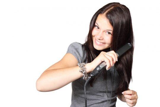 come pulire piastra per capelli
